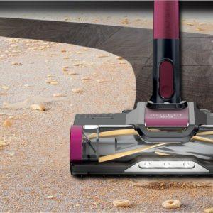 Shark Rocket Pet Hair Pro Cordless IZ162H directly engages floors