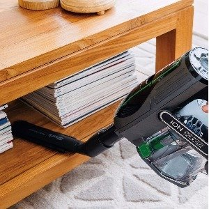 Use the handheld mode to clean furniture cars and other above floor areas with the Shark IF201 cordless
