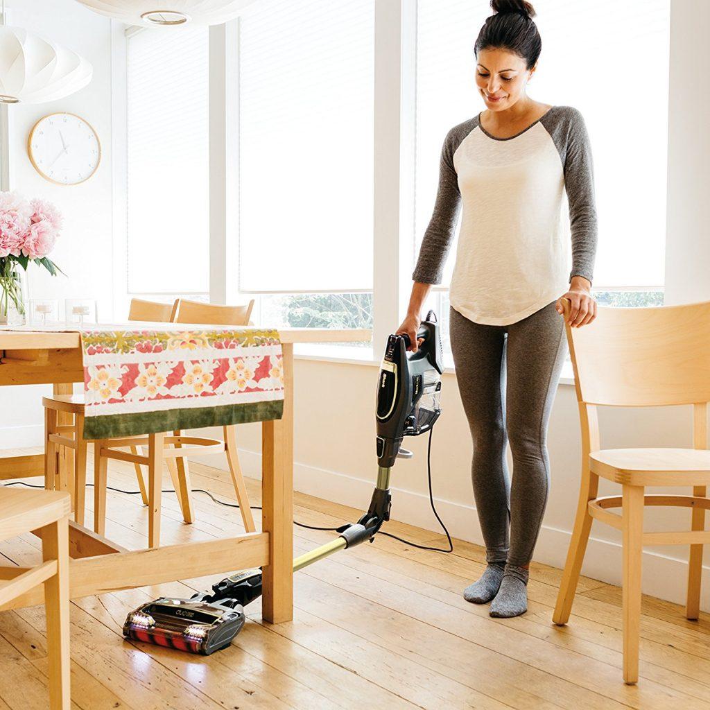 Shark Flex DuoClean Ultra Light Stick Hard Floor vacuum HV391 multiflex enables you to clean under furniture