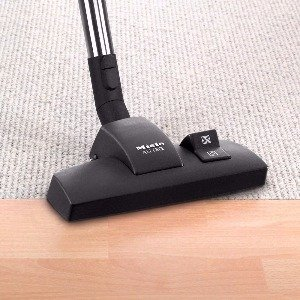 The Miele Complete C2 comes with the SBD 285 3 Combo Rug and Floor Tool that can be used for hard floors or low pile carpet and delicate area rugs