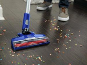 Hoover Impulse Cordless Stick Vacuum BH53020 with motorized hardwood floor and carpet floor brush