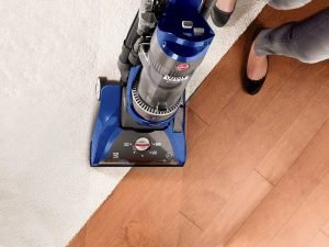 Hoover WindTunnel Pet Rewind UH70210 cleans hardwood floors and carpet