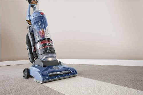 Hoover WindTunnel Pet Rewind UH70210 features powerful suction for carpet