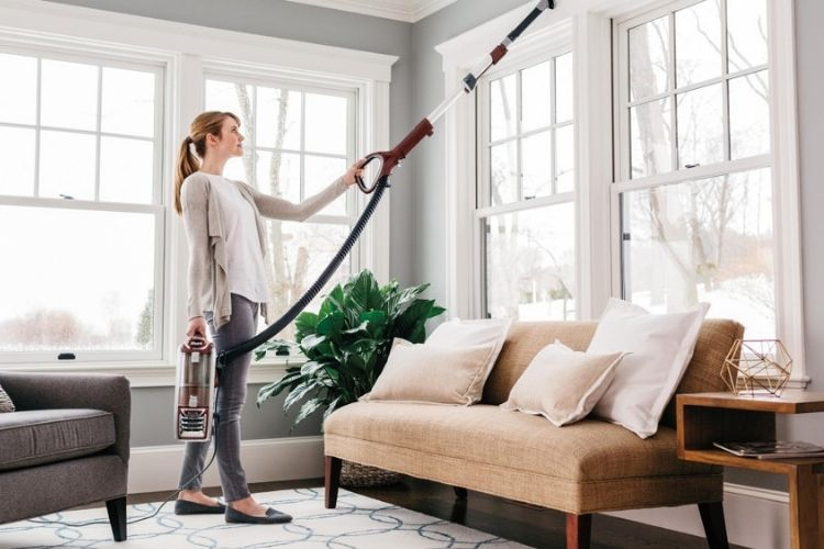 Shark DuoClean Powered Lift-Away Speed NV803 converts to lift away vacuum